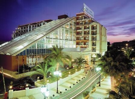 Hotel Playa Capricho at night.