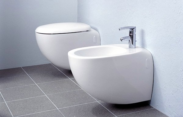 How to Use a Bidet in Spain – The Spanish Bum-Cleaning Bowl Isn't That Difficult