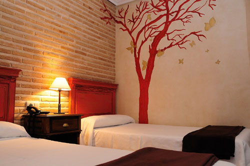 Best cheap budget hotels in toledo spain seriously spain - Hotel puerta bisagra toledo ...