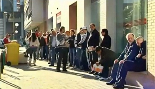 spain's unemployment rises to 27.2 percent