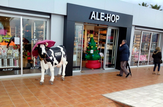What You Should Know Before Shopping in Spain: Store Opening Times, Siesta, Customer Service and More