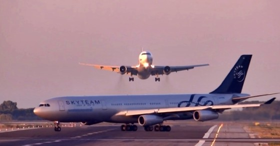 near miss at barcelona airport july 2014 argentinian and russian planes
